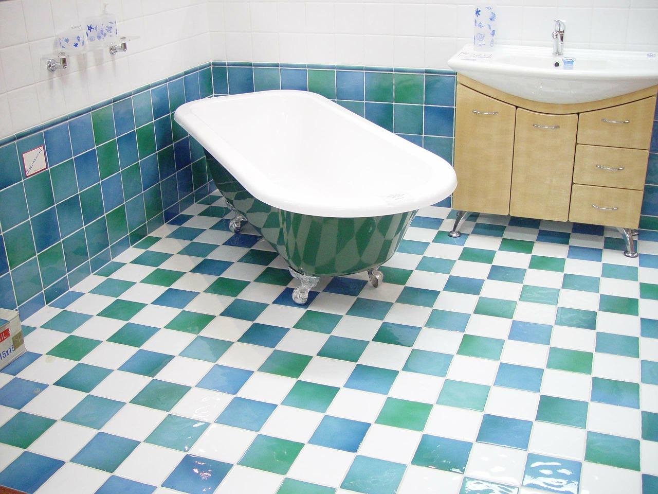 Comment repeindre le carrelage de ma salle de bains ?